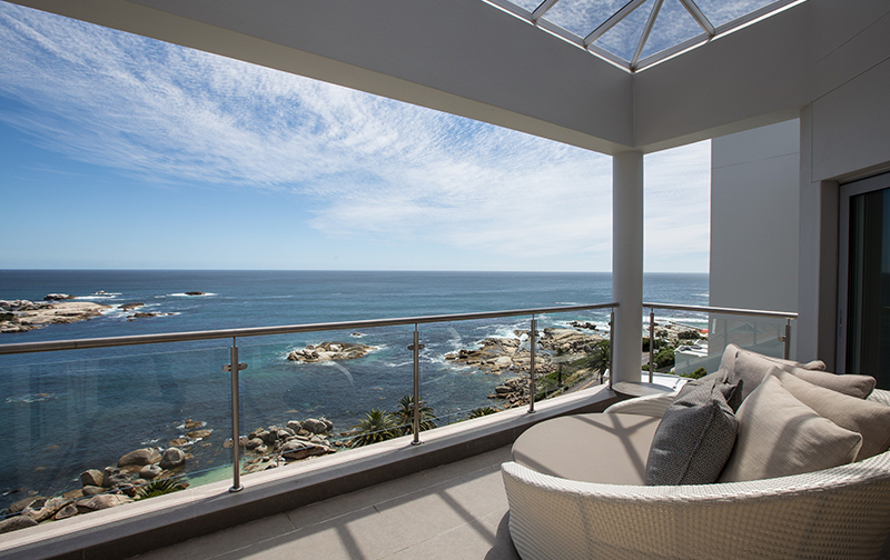 Uninterrupted views of the Atlantic Ocean greet you as you enter from street level. Open the patio doors, relax & unwind!